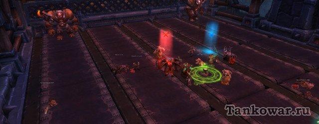По этой тактике Литейной клана Чёрной горы танки тусуются в районе красной метки.