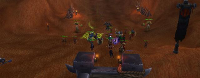 Пока не опустится Галакрас, тактика боя внизу будет неизменна – держим мобов между этих заборчиков.